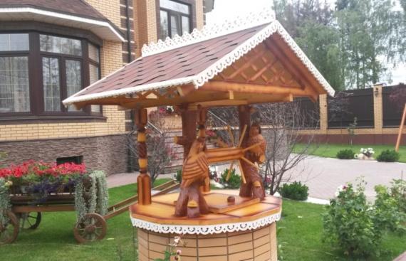 Деревянный домик для колодца - филин (крупное фото)